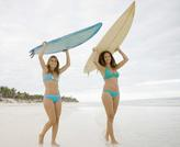 focus hook recall /two girls carrying surf boards